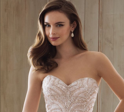 Bridal Hairstyles for Strapless Dresses