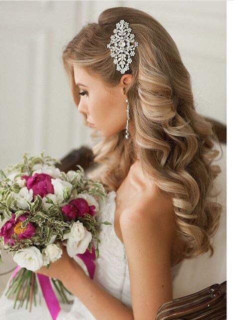 20 Ideas To Wear Your Hair Down On Wedding Day