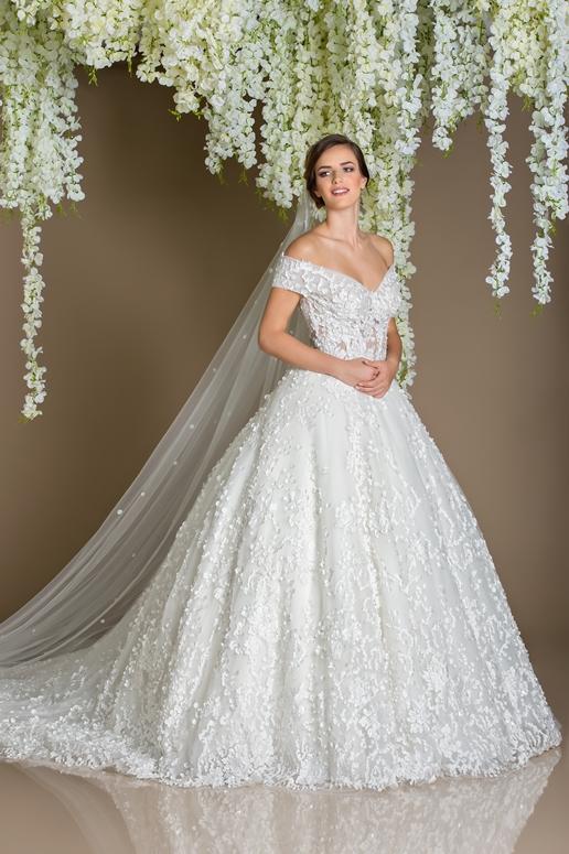 Top wedding dress boutiques on al wasl road in dubai arabia weddings top wedding dress boutiques on al wasl road in dubai junglespirit Image collections