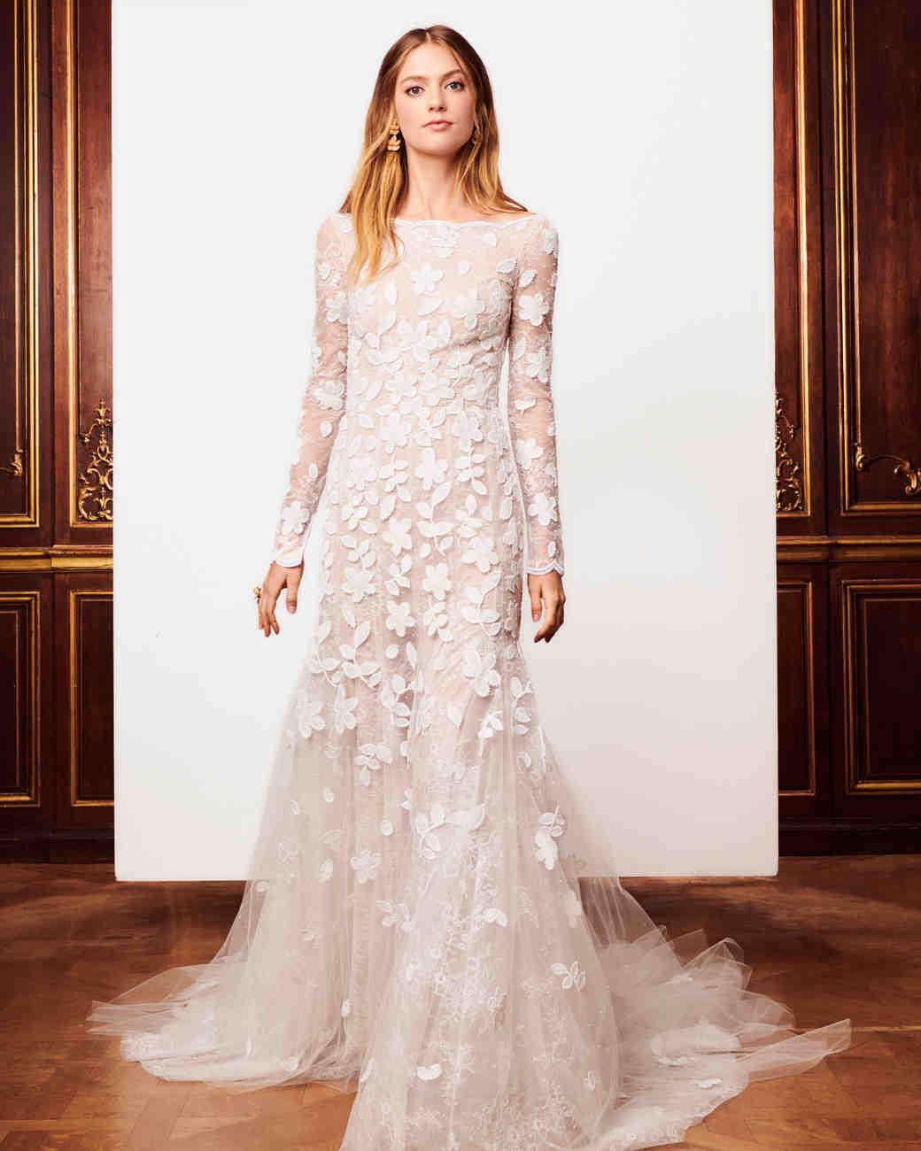 fb12b85fc4d30 صور أجمل فساتين زفاف فخمة وأنيقة لعروس عام 2019