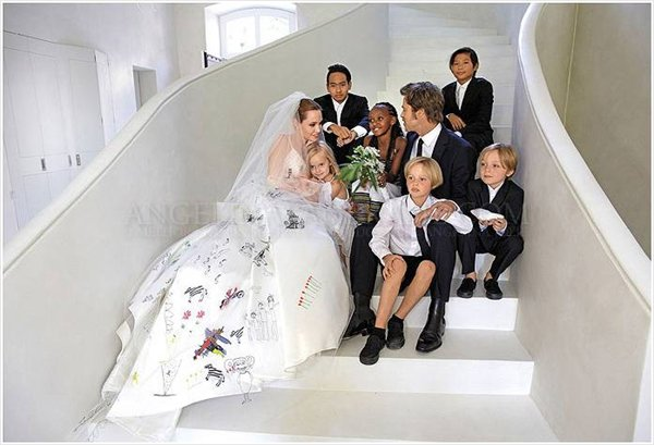 Angelina Jolie and Brad Pitt's Wedding | Arabia Weddings