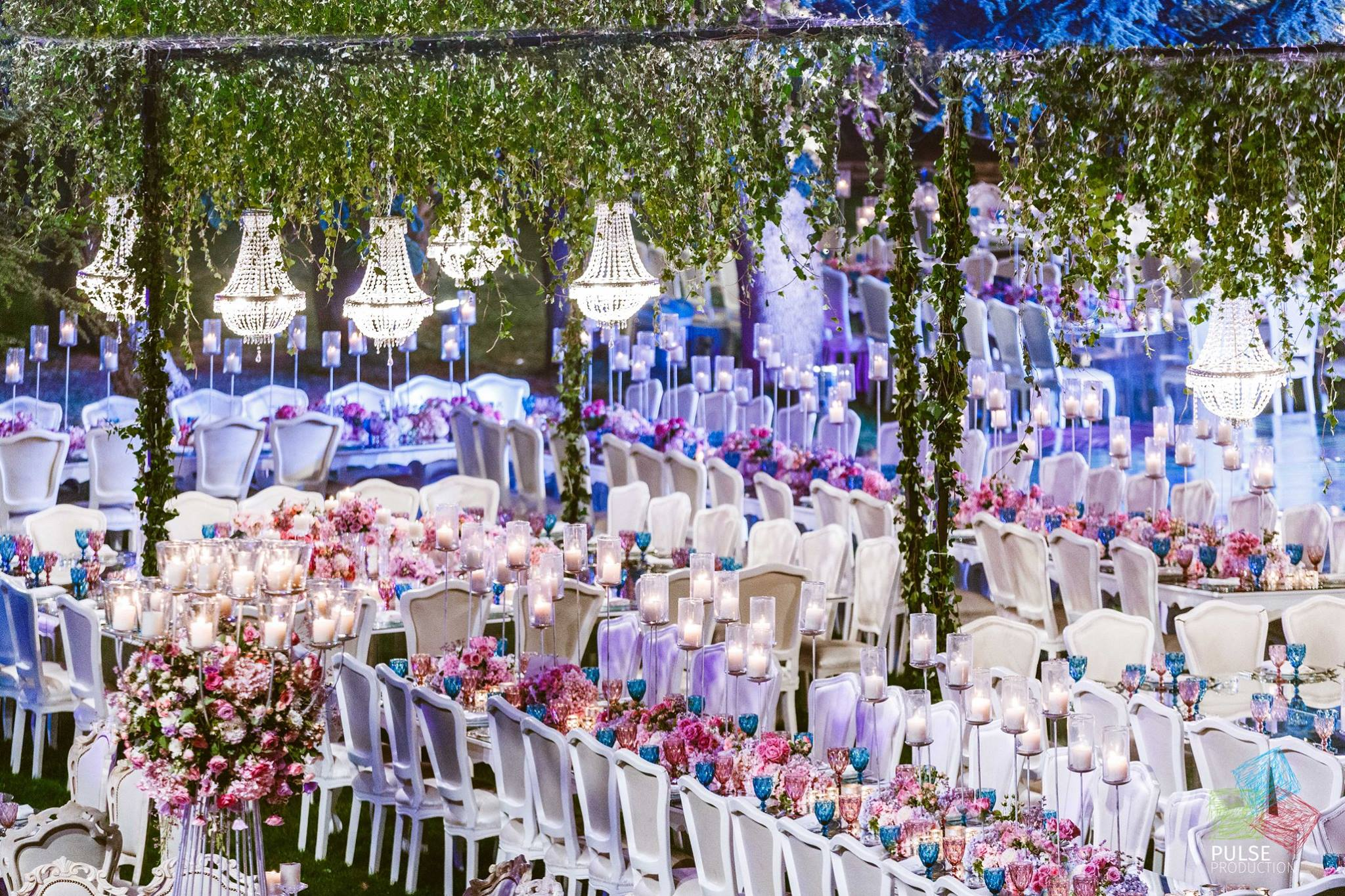 A luxurious hanging gardens wedding in lebanon arabia weddings joe and jocelynes hanging gardens wedding in lebanon junglespirit Image collections