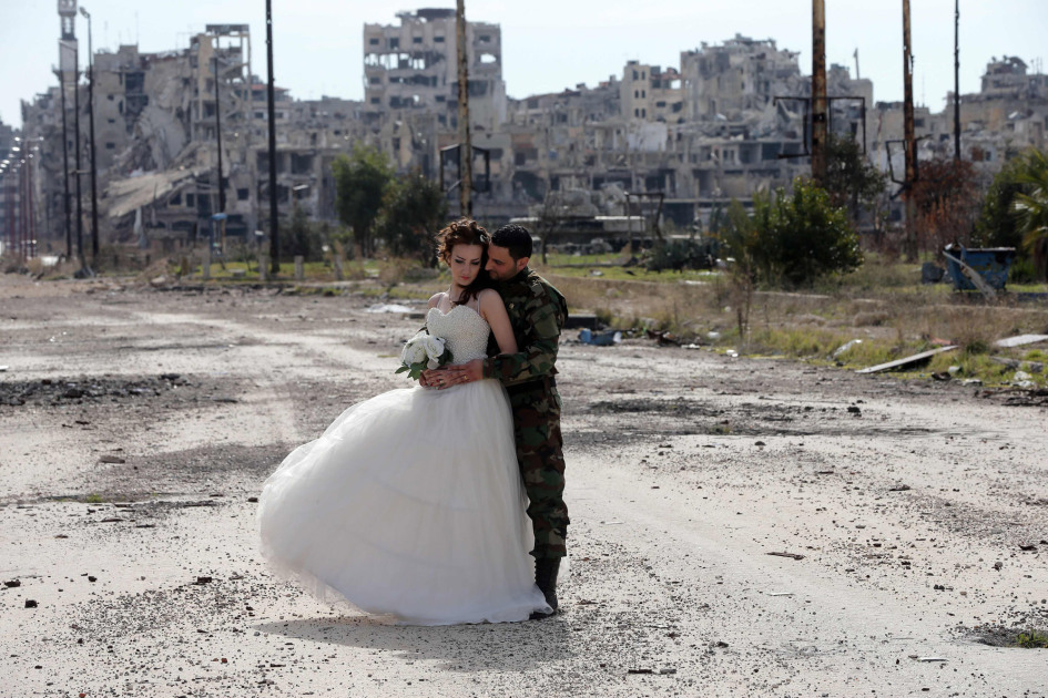 Wedding Pictures Amid Syria S Wreckage