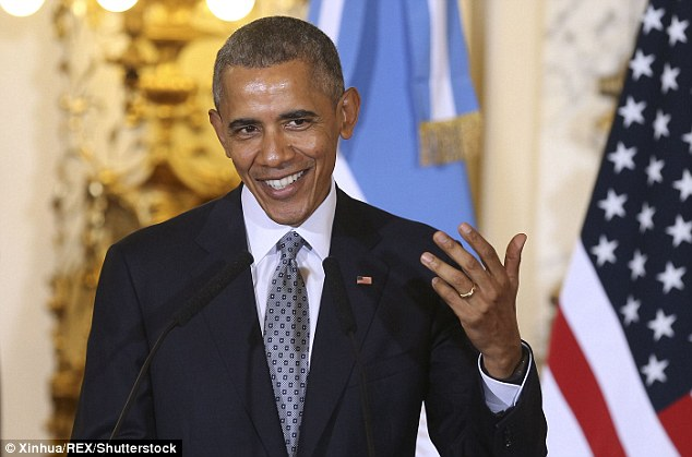 obama criticized for hiding his wedding ring - Obama Wedding Ring