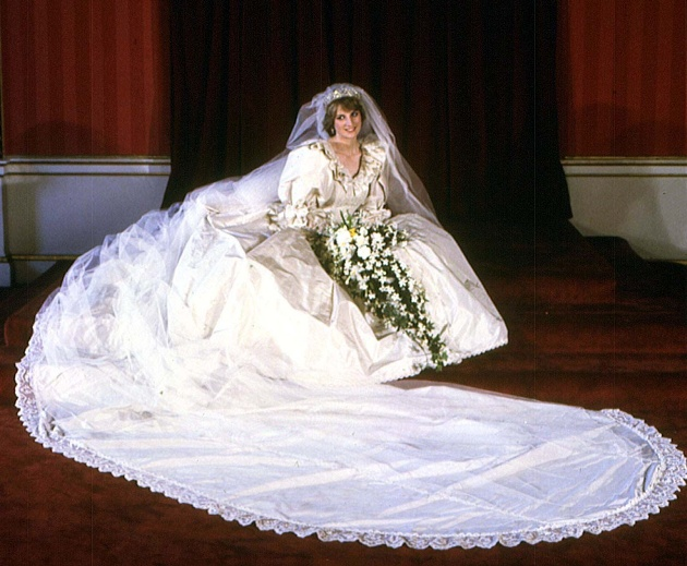 Why Princess Diana S Wedding Dress Sketch Was Ripped