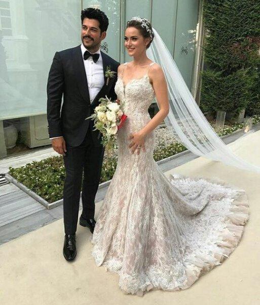 Wedding Entrance Songs 2017: 100 Orders On Fahriye Evcen's Wedding Dress From The Arab