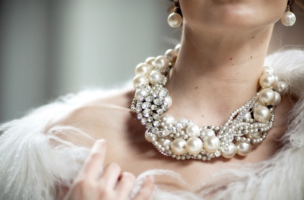 statement necklaces for the bride