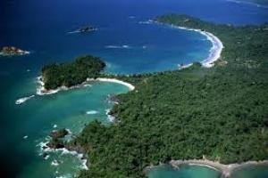 بلايا تاماريندو وجاكو: الشاطئ المخصص لرياضة ركوب الأمواج في كوستاريكا.