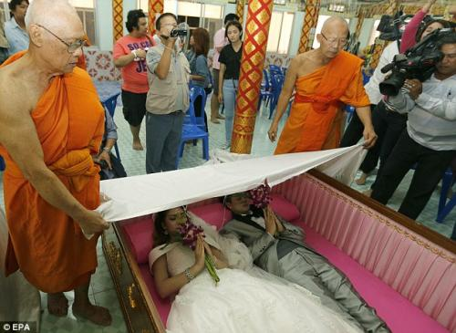 coffin_couples1