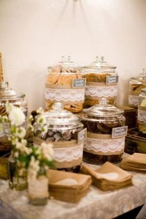 5 Wedding Dessert Table Ideas For a Sweet Wedding - Arabia Weddings