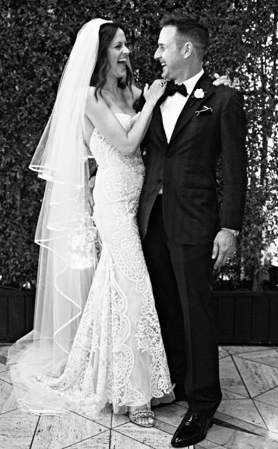 david_arquette_and_christina_mclarty_release_official_wedding_portrait