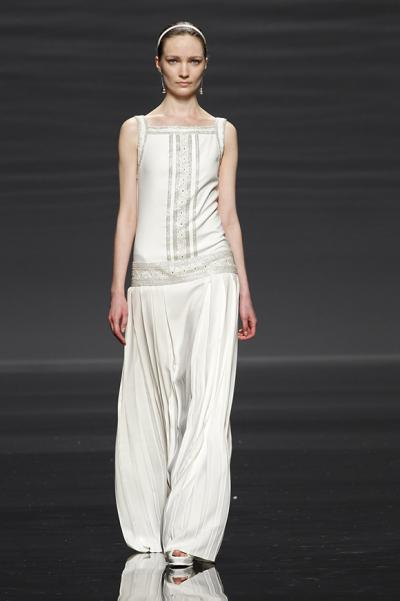 rosa_clara_2016_bridal_collection_at_barcelona_bridal_week_10