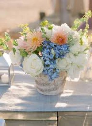 blue_and_peach_centerpiece