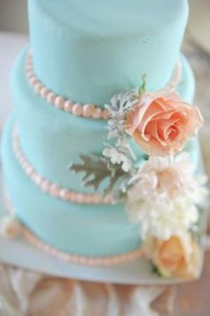 blue_and_peach_wedding_cake