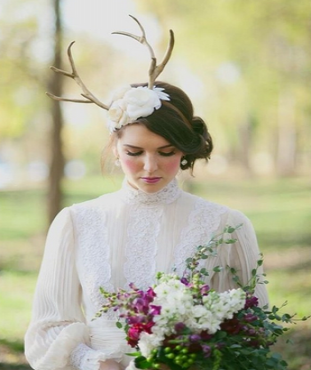 bride_with_antlers