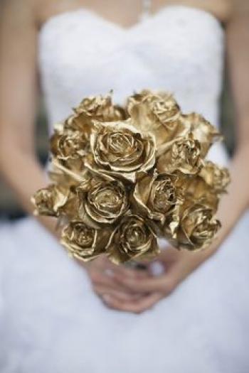 gold_bridal_bouquet