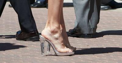 queen-letizia-clear-plastic-shoes