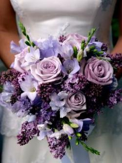 roses_and_freesia_bridal_bouquet