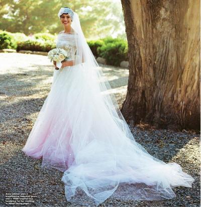 anne_hathaway_wedding_dress