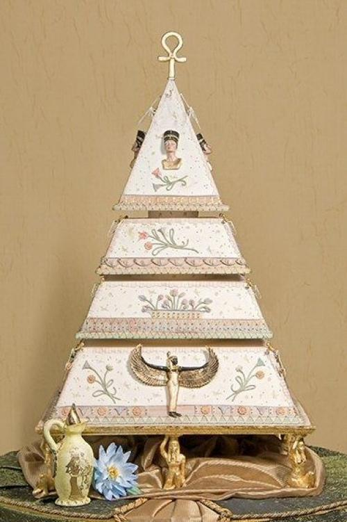 A magical egyptian wedding theme arabia weddings egyptianthemedweddingcake junglespirit Images
