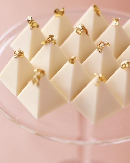 pyramid_shaped_desserts