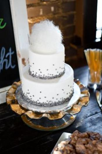 wedding_cake_with_cotton_candy