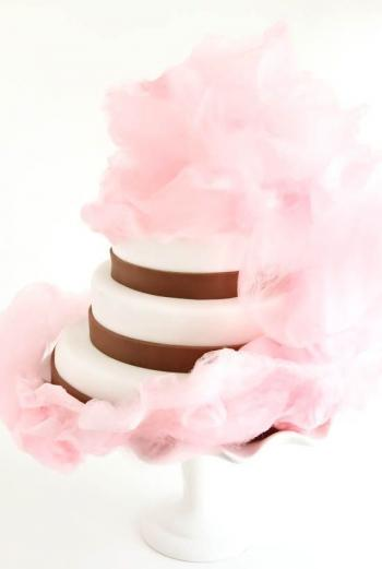 wedding_cake_with_cotton_candy_1