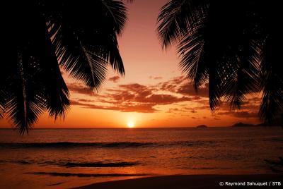 sunset-anse-soliel-mahe