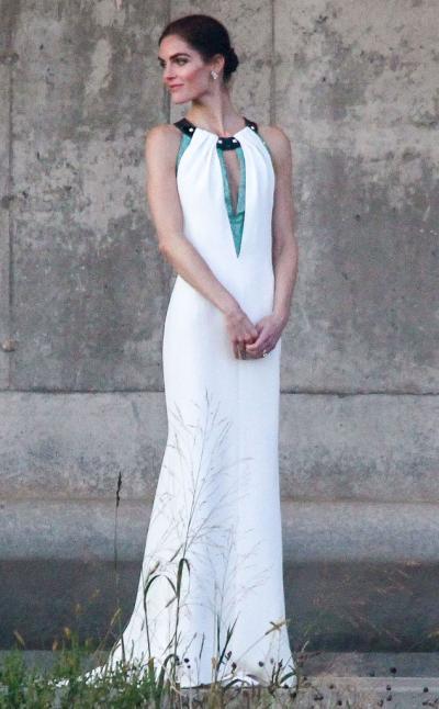 hilary_rhoda_wedding_dress