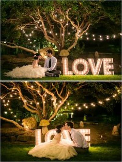 love_sign_lights_wedding