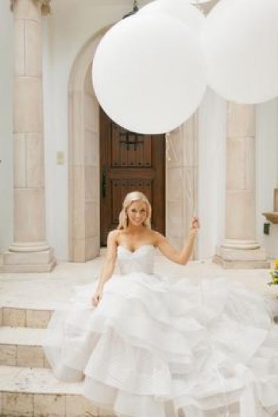 bride_balloons