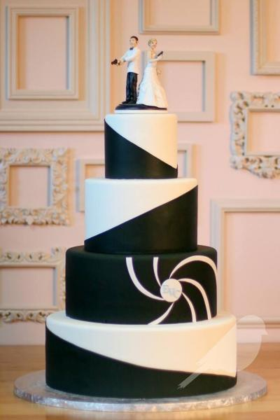 james_bond_cake_for_wedding