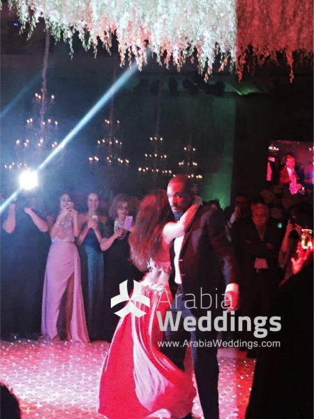 will_smith_dancing_with_belly_dancer_at_wedding_in_jordan