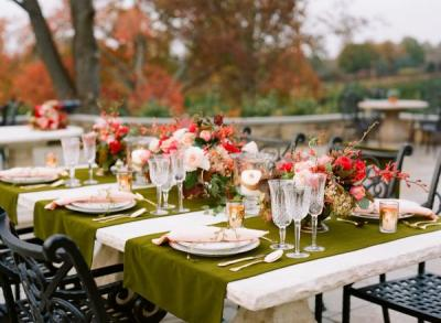 olive_green_and_red_wedding_table