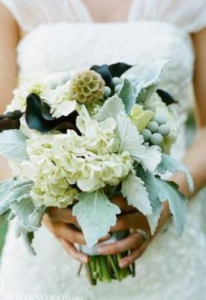 black_and_mint_bouquet