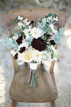 mint_and_black_bridal_bouquet