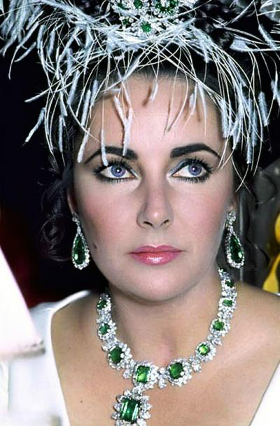 elizabeth-taylor-emerald-necklace