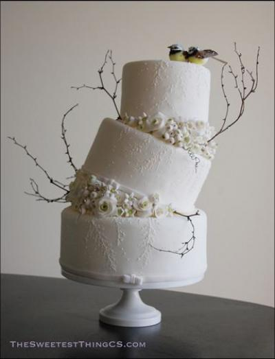 Topsy Turvy Wedding Cakes - Arabia Weddings