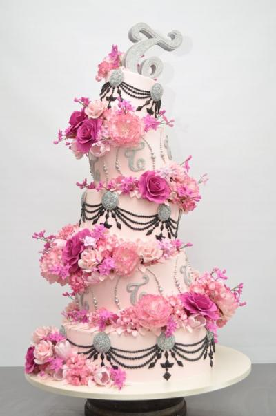 topsy_turvy_wedding_cakes_4