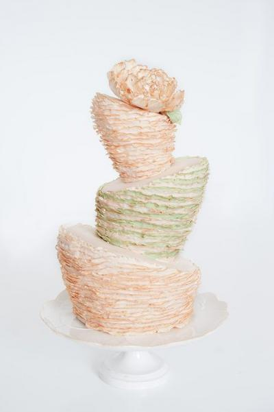 topsy_turvy_wedding_cakes_5
