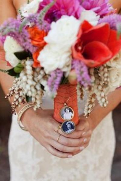 something_old_bridal_bouquet_1