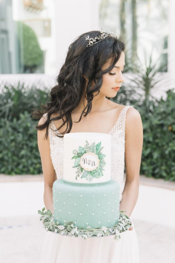 tropical-inspired wedding photo shoot