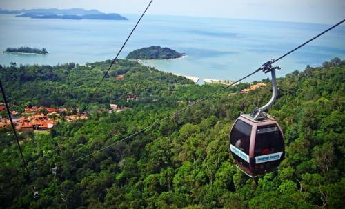 أجمل الجزر الماليزية جمالاً وطبيعة langkawi-cable-car-5