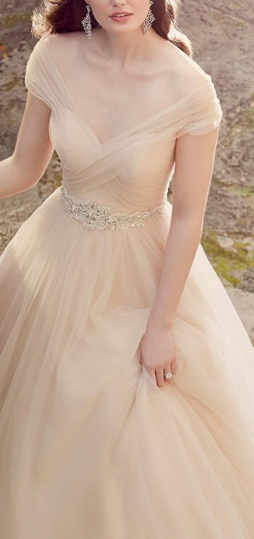 champagne_wedding_dress.jpg