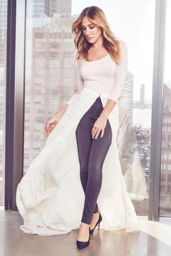 sjp_in_pink_bodysuit_and_white_teatro_skirt.jpg