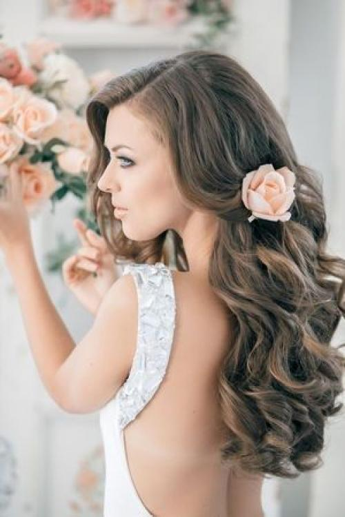 wedding_hair_and_the_backless_dress