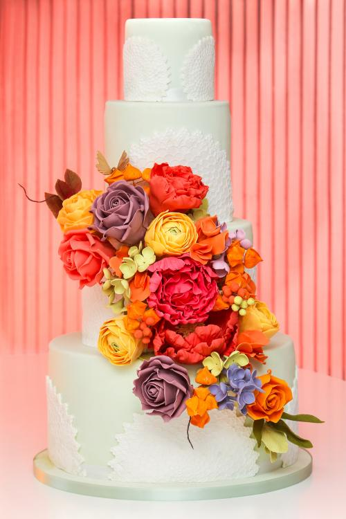 living_coral_cake_top_ten_wedding_cake_trends_2019_by_elizabethscakeemporium_1.jpg
