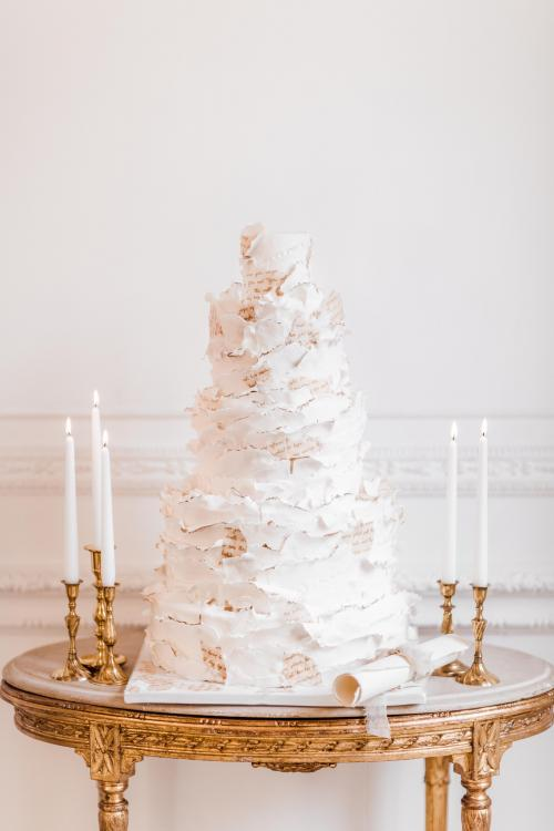 textured_weddingcake_2019_cake_trendsby_elizabethscakeemporium_1.jpg