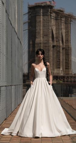 The Alyne 2019 Wedding Dresses by Rita Vinieris