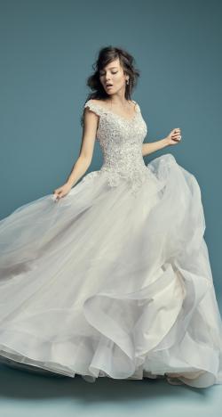 فساتين زفاف ساحرة من تصميم المبدعة ماغي سوتيرو